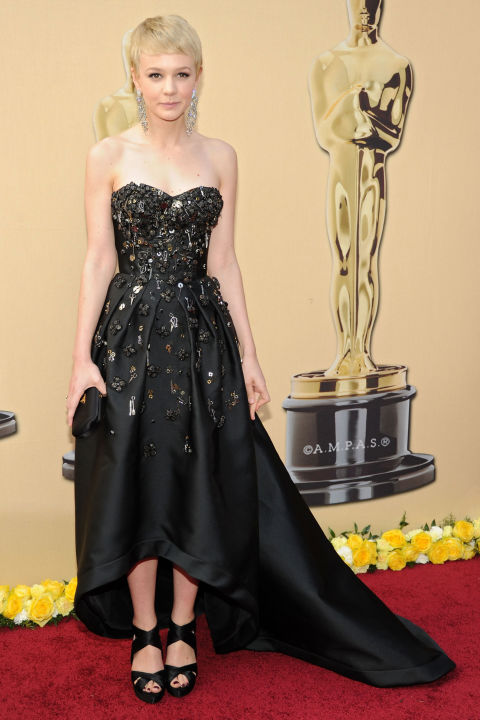 54bc08b7e5595_-_hbz-100-best-dresses-2010-carey-mulligan
