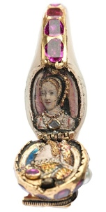 elizabeth-is-locket-ring-001
